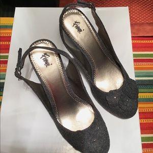 Fioni charcoal gray slingback heels, size 8.5